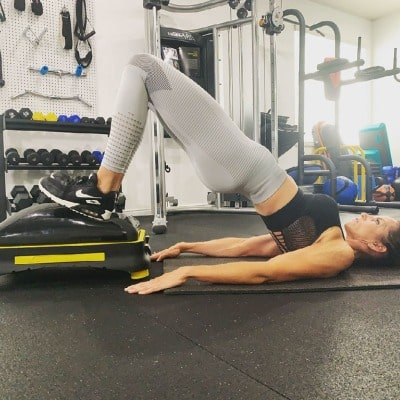 glute workout with retractable wheels